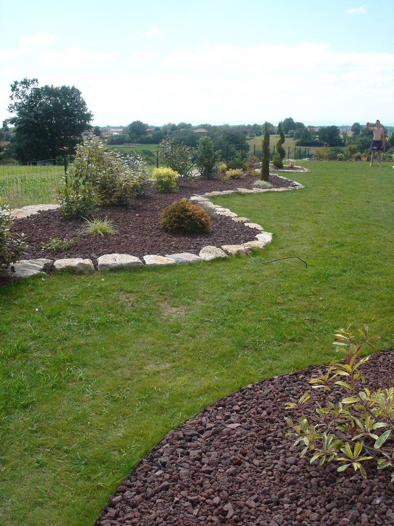 cottet jardins entretien du jardin bourg en bresse et dans l 39 ain. Black Bedroom Furniture Sets. Home Design Ideas